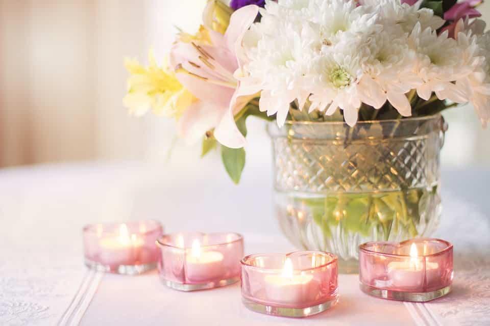 Vaza de flori cu lumanari