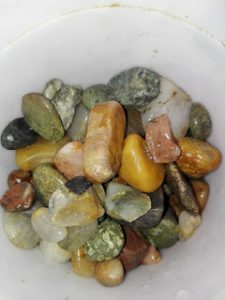 Povestea pietrelor de rau 1